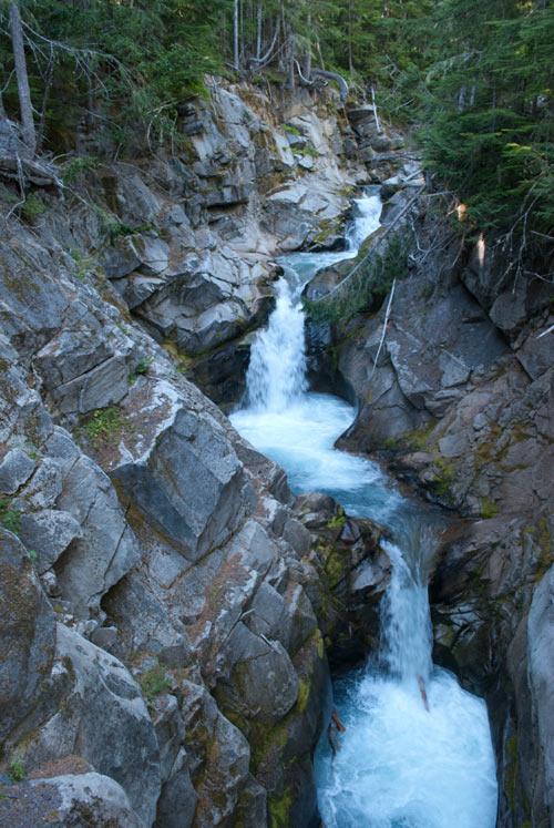 Photo of a cascade.